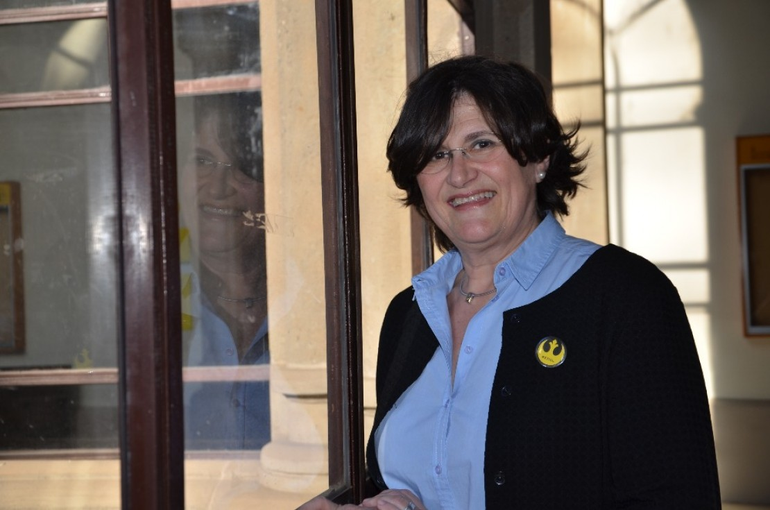 Entrevista con la Dra. Núria Fabrellas, enfermera. Profesora de Enfermería en la Escuela de Enfermería de la Facultad de Medicina y Ciencias de la Salud de la Universidad de Barcelona (UB)