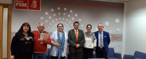 Els partits polítics accepten a Madrid set compromisos amb els pacients d'hepatitis C i VIH