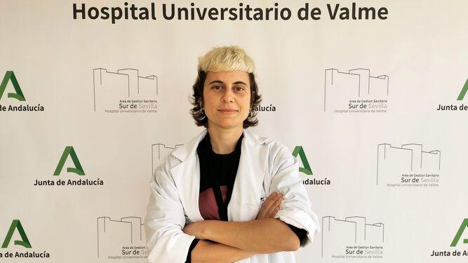 Una investigadora de Enfermedades Infecciosas del Valme, premiada por sus publicaciones por la Facultad de Medicina